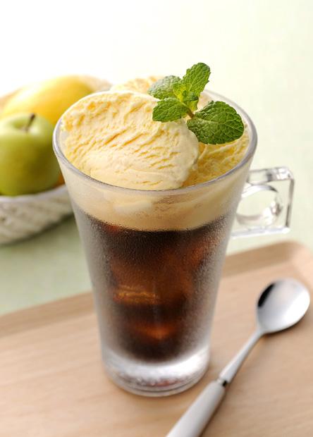 【レシピ】ドルチェグストで作る、コーヒーフロート