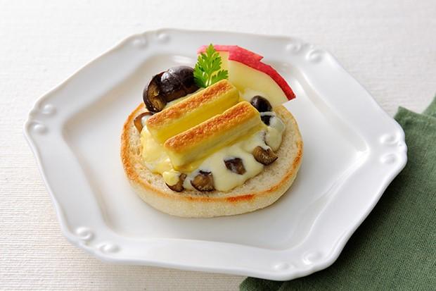 【レシピ】焼きキットカットの栗の簡単モンブラン風オープンサンド