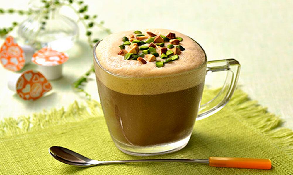 【レシピ】ブライトdeピスタチオとアーモンドのアイスクレマキャラメルラテ